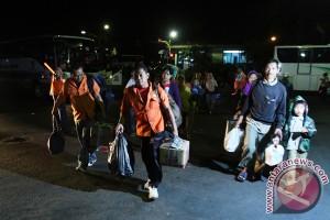 "Lebaran 2016 - Ada tenda resmi ""tempat istirahat copet"" di Terminal Tirtonadi"