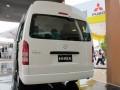 New Hiace, diakuinya, akan diimpor dari Jepang, dengan memanfaatkan skema kemitraan ekonomi Indonesia-Jepang (IJEPA) sehingga mendapat fasilitas bea masuk lebih rendah untuk kendaraan dengan kapasitas mesin di atas 2.000 cc. (ANTARANEWS/Suryanto)