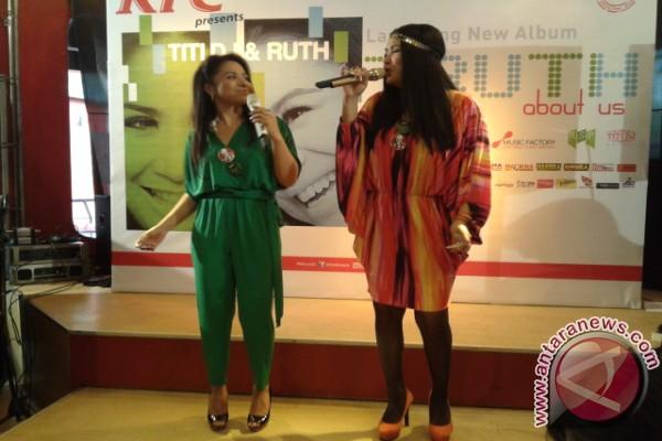 Titi DJ dan Ruth Sahanaya berduet dalam