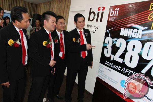 BII tawarkan kredit mobil 3,2 persen setahun