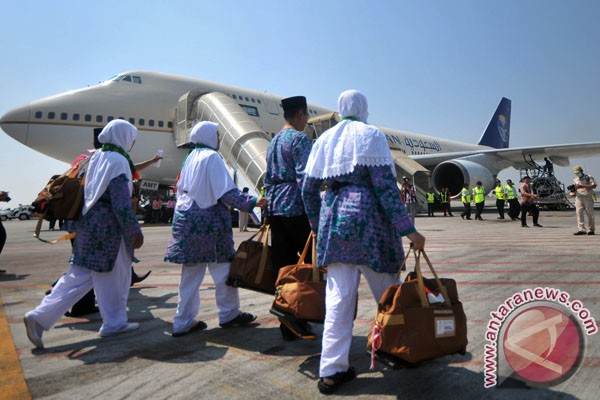 DPR minta Saudi batalkan pengurangan jemaah haji Indonesia