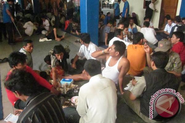 RS Krakatau rawat 79 korban kapal tenggelam