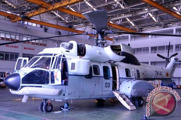 PT DI rawat helikopter kepresidenan Skuadron Udara 45