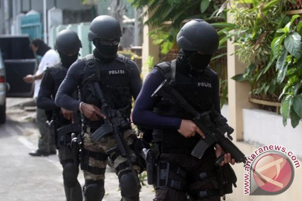 Indonesia intensively hunts down terror suspects in 2012