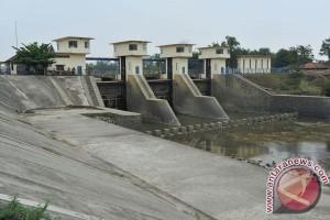 Sejumlah pabrik di Karawang selatan diduga cemari Sungai Cibeet