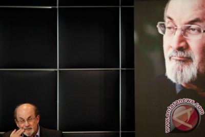 """Iran boikot """"Frankfurt Book Fair"""" karena undang Salman Rushdie"""