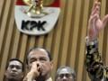 Wakil Ketua KPK Busyro Muqoddas (tengah) saat memberi keterangan pers tentang Penilaian Inisiatif Anti Korupsi (PIAK) 2012 di gedung KPK, Jakarta, Kamis (4/10). Dengan PIAK diharapkan dapat membangun sistem antikorupsi di instansi dengan lebih sistematis melalui penilaian terhadap inisiatif yang dilakukan oleh pimpinan instansi dalam program antikorupsi. (FOTO ANTARA/Rosa Panggabean)