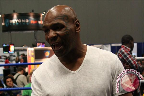 Mike Tyson dilarang berbicara
