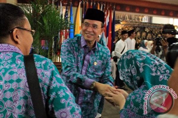 Suryadharma Ali, ministre des Affaires religieuses et Amirulhaj, chef des pèlerins indonésiens en 2012 (Antara/Muhammad Iqbal).