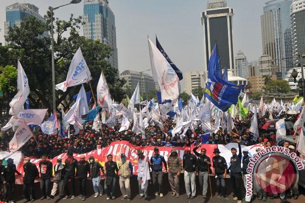 Demo Buruh Jakarta Sejumlah Buruh Yang Tergabung Dari Berbagai Serikat
