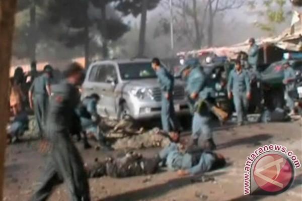 Tujuh prajurit tewas ketika seorang teroris bunuh diri&; meledakkan