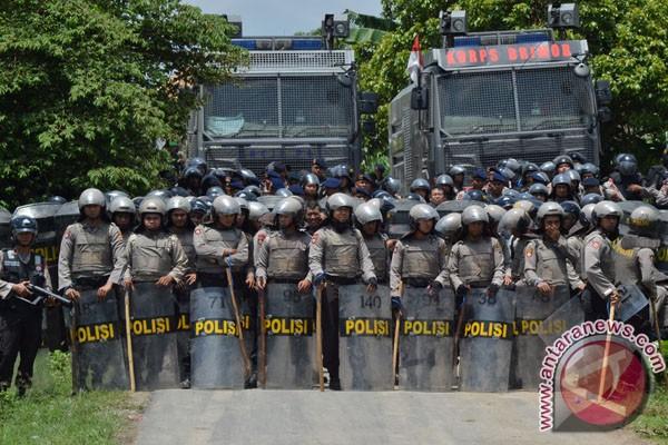 14  orang tewas dalam bentrok  Lampung Selatan