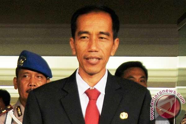 Jokowi bahas UMP dengan Menakertrans