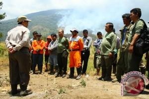Gunung Ciremai kembali terbakar