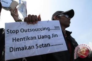 Pakar tegaskan mogok kerja hak dasar buruh