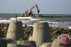 Pulau Pelampung abrasi akibat proyek pemecah gelombang