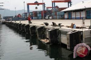 Fasilitas dan kinerja Pelabuhan Teluk Bayur perlu ditingkatkan