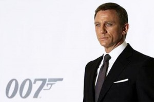 James Bond SPECTRE tanda adegan cium, jika nontonnya di India