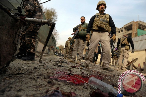 Pebom bunuh diri serang pangkalan AS