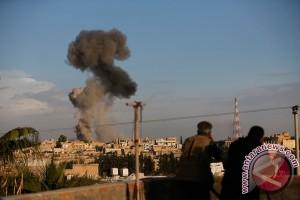 Serangan udara ke kamp pengungsi Suriah tewaskan 28 orang