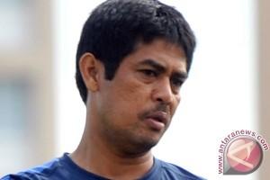 Nil Maizar akan evaluasi pemain Semen Padang