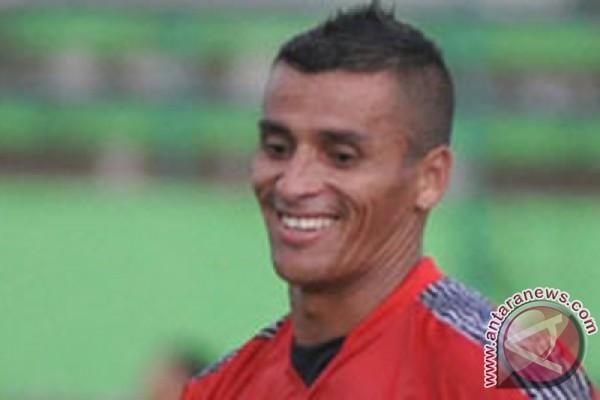 Diego Mendieta meninggal dunia