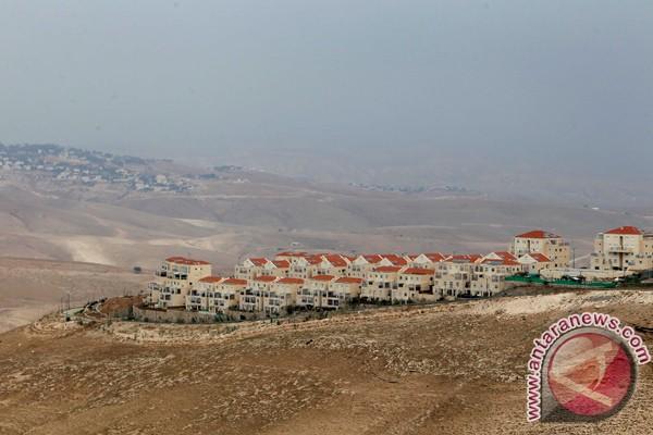 Pemukiman yahudi tepi barat maale adumim (depan) dekat yerusalem