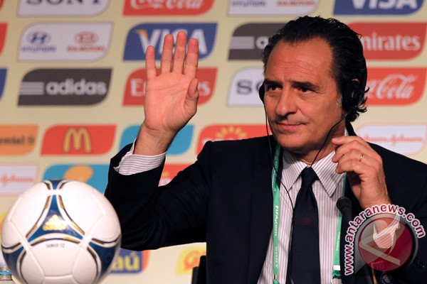 Piala Konfederasi 2013: Italia, Prandelli, Putri Cinderella