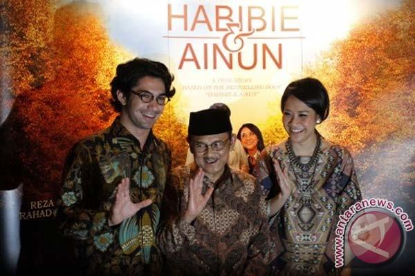 Habibie & Ainun dalam romansa