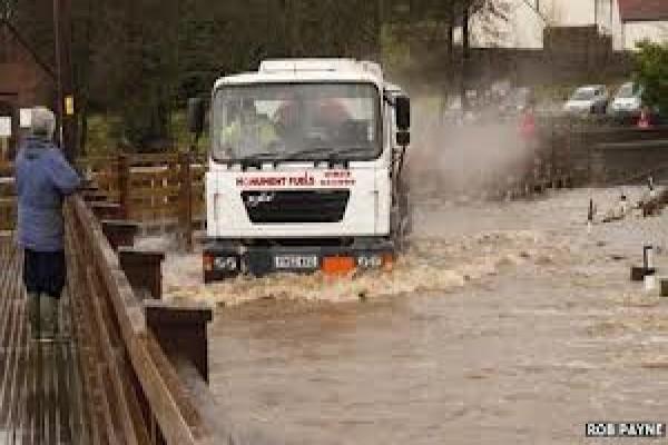 Banjir juga dirasakan di Inggris