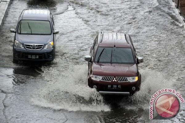 Hujan sehari, Makassar banjir