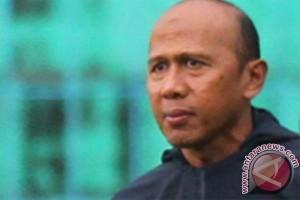 2012120729 Arema Indonesia buka lowongan pemain gelandang