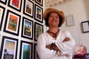 Andrea Hirata: sosialisasi KB bisa lewat fiksi