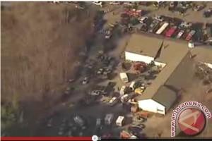20121215penembakannewtown Polisi temukan bukti penembakan Connecticut