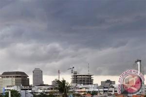 BMKG : sebagian wilayah Jakarta cerah berawan