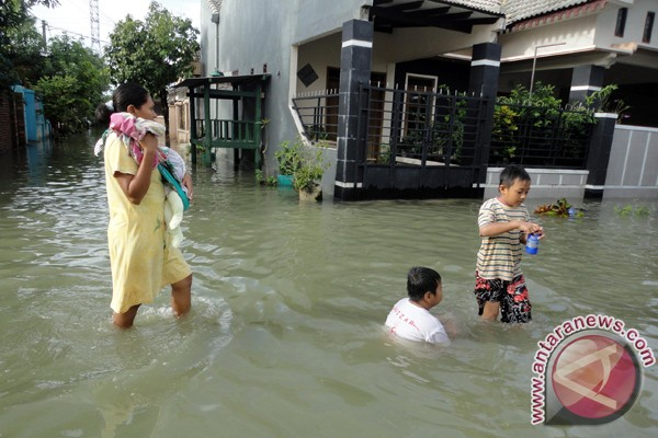 Banjir Bengawan Solo di Bojonegoro surut