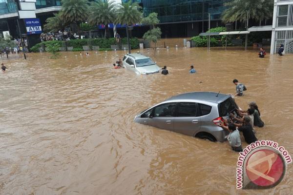 Overcome Jakarta Flood, Not Just Ditch