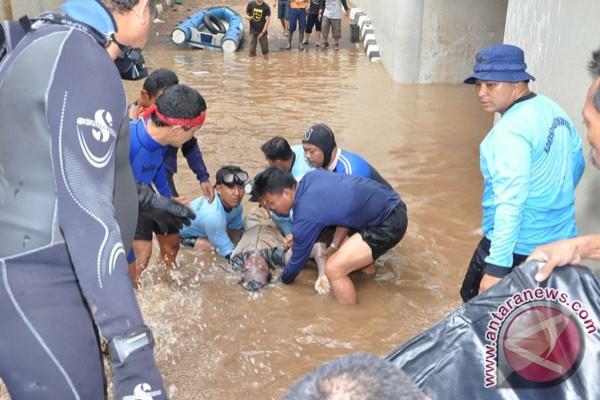 Taufik spork jakarta darurat banjir dan korban banjir - Wallpaper kopaska ...