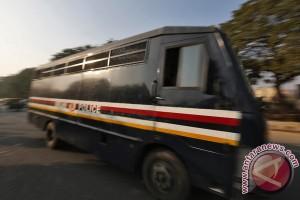 Pemerkosa bergiliran India gantung diri di penjara
