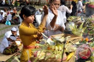 Ribuan umat Hindu padati Pura Jagatnatha rayakan Pagerwesi
