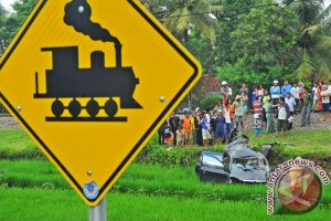KA Argo Anggrek-truk tabrakan di Kendal