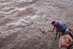 Banjir bandang di Pandeglang mulai surut