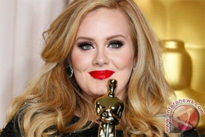 Adele teken kontrak 131 juta dolar dengan Sony