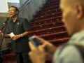 Menteri ESDM selaku Sekretaris Majelis Tinggi Partai Demokrat (PD) Jero Wacik memberikan keterangan menanggapi turunnya elektabilitas partai demokrat di kantor ESDM, Jakarta, Senin (4/2). Jero mengungkapkan anjloknya elektabilitas partainya karena sudah dipersepsikan rakyat sebagai partai terkorup dan meminta pimpinan Partai Demokrat Susilo Bambang Yudhoyono agar turun tangan. (FOTO ANTARA/Prasetyo Utomo)