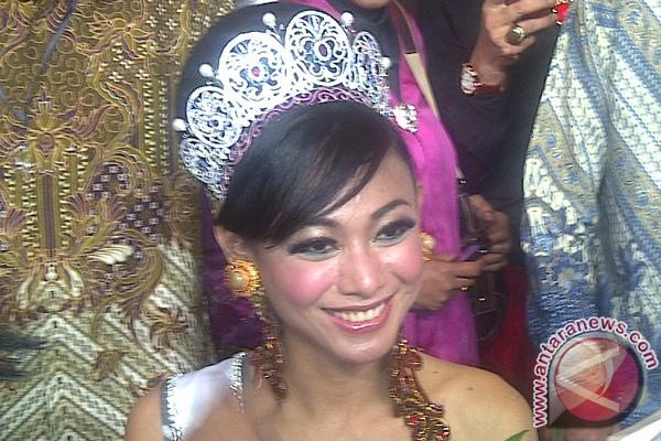 Puteri Indonesia 2013 bersiap ikut Miss Universe