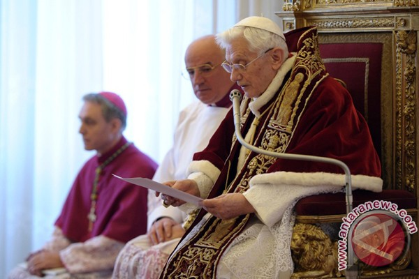 Alasan Mengapa Paus Mengundurkan Diri