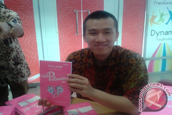 Valentine, Felix Siauw :