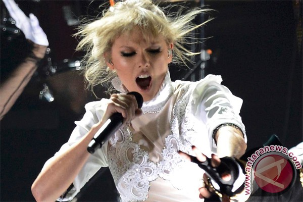 Tak Hadiri MTV Music Award, Taylor Swift Menyentil Via Video