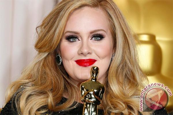 Adele Jadi Penulis Lagu Terbaik Versi Ivor Novello