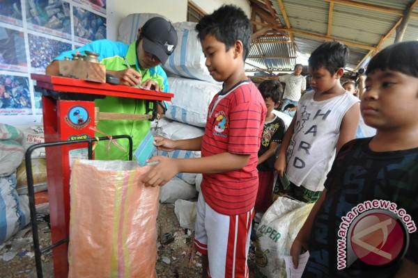 Bupati gagas lomba murid menabung sampah